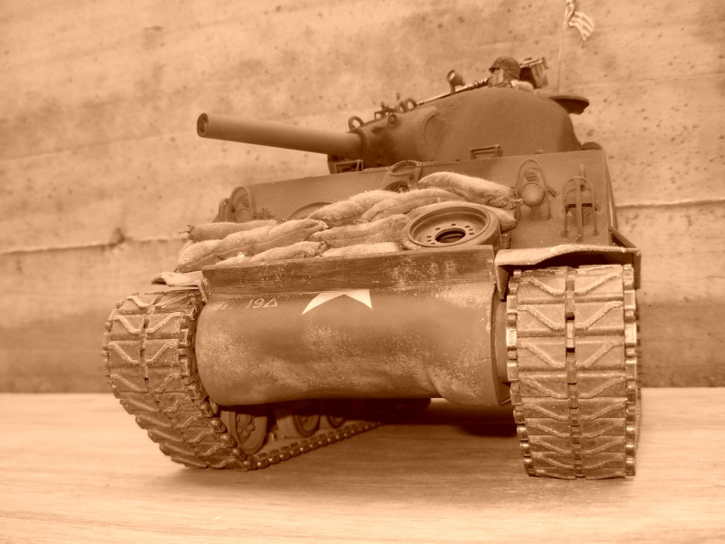 Sherman M4  105 mm Tamiya - Restyling totale Dscn0128