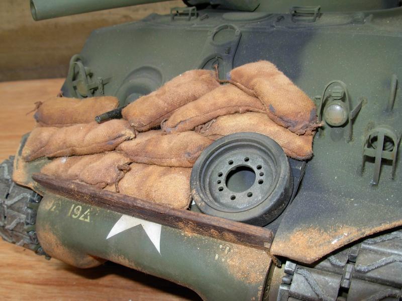Sherman M4  105 mm Tamiya - Restyling totale Dscn0134
