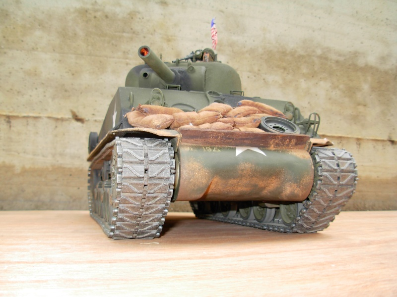 Sherman M4  105 mm Tamiya - Restyling totale Dscn0135