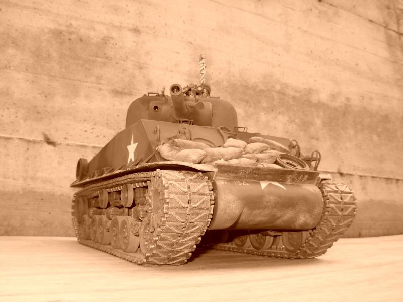 Sherman M4  105 mm Tamiya - Restyling totale Dscn0137
