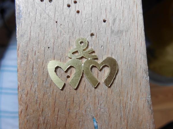 1er pendentif en laiton Dscn0615