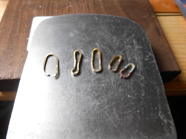 1er pendentif en laiton Dscn0618