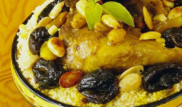 La Caleche d'or au Pian Médoc, Couscous royal et pâtisseries orientales à partir de 17,90 € au lieu de 29 €  Cousco10