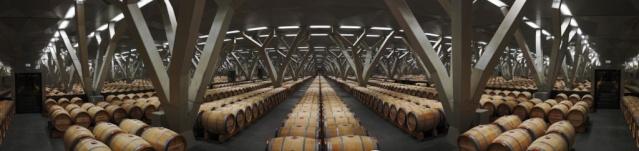 Deux des trois plus beaux chais du vignoble Bordelais se trouvent dans le Médoc Pano-t10