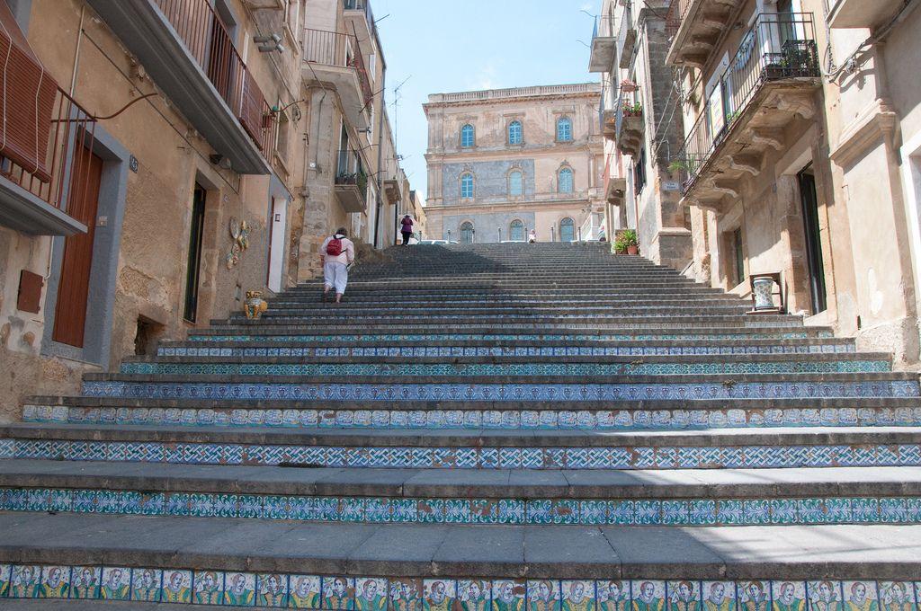Les escaliers du monde (sujet participatif) - Page 4 1an9qy10