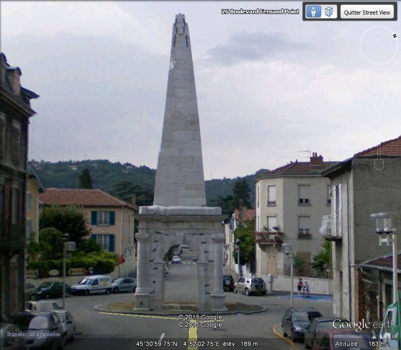 La pyramide de Vienne (Isère) 710