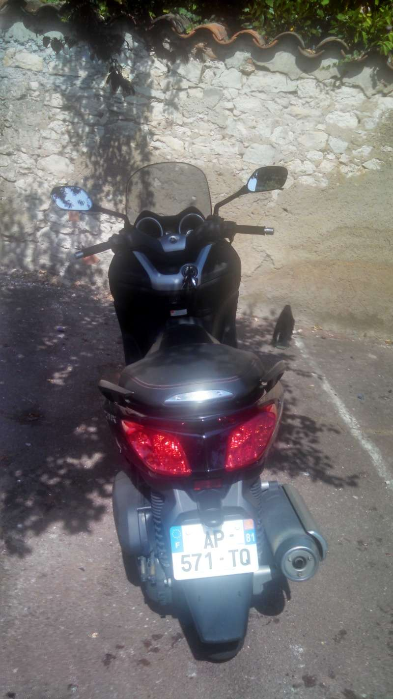 [VENDS] Xmax 125 phase 2 de 2010 Img_2015
