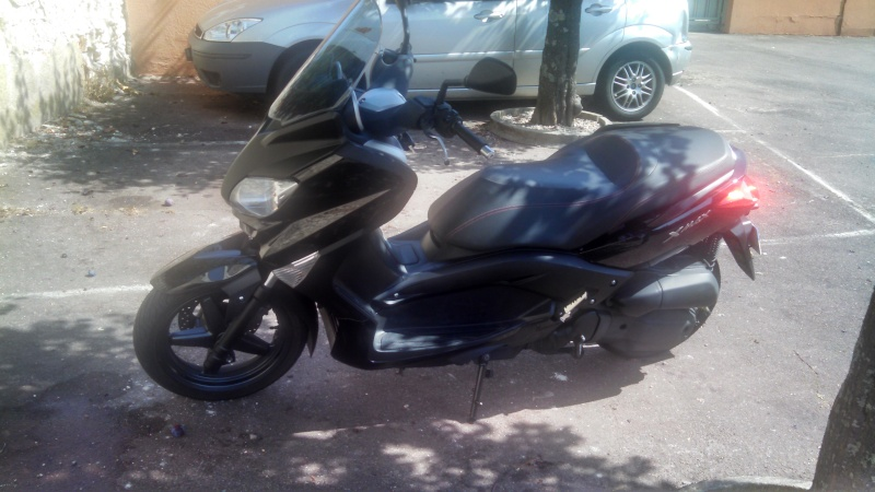 [VENDS] Xmax 125 phase 2 de 2010 Img_2019