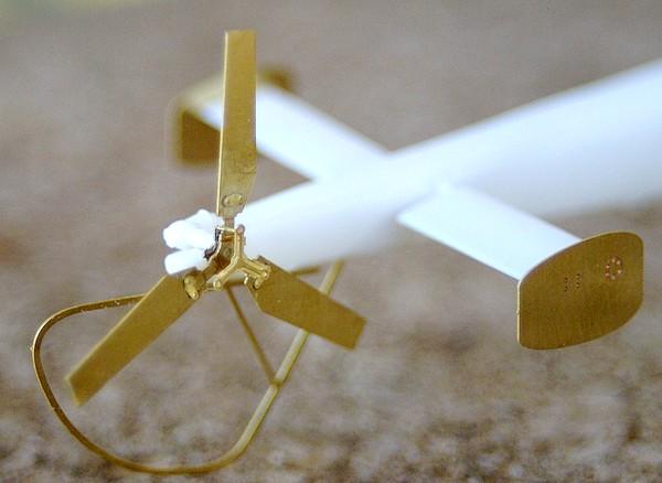 Alouette III heller 1/72 Dsc04045