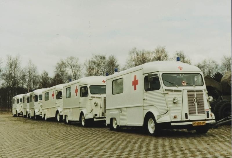 Ambulances HY armee Neerlandaise Ambula10