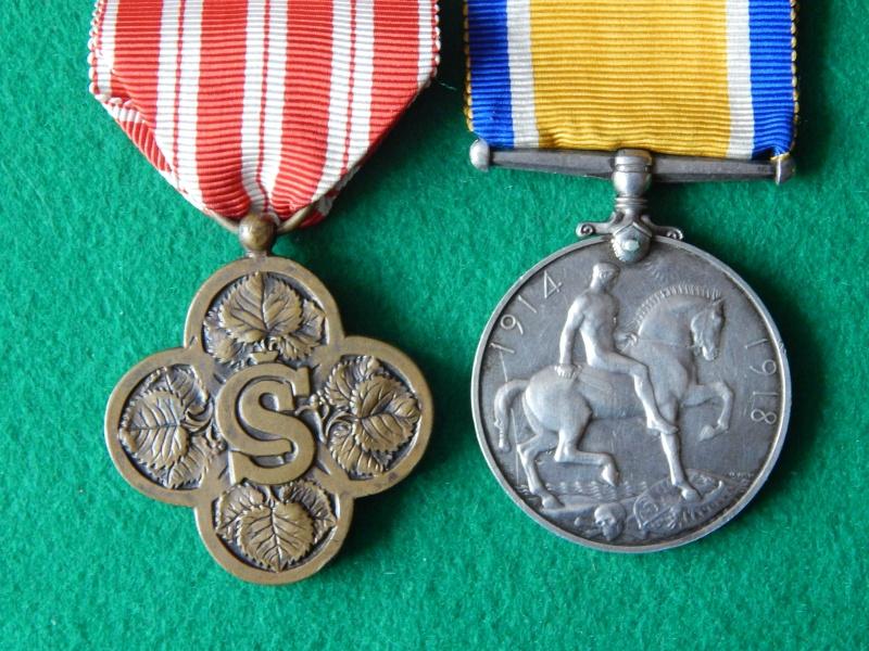 Croix de guerre Tchécoslovaquie et commémo anglaise 1914-1918 Dscn1319