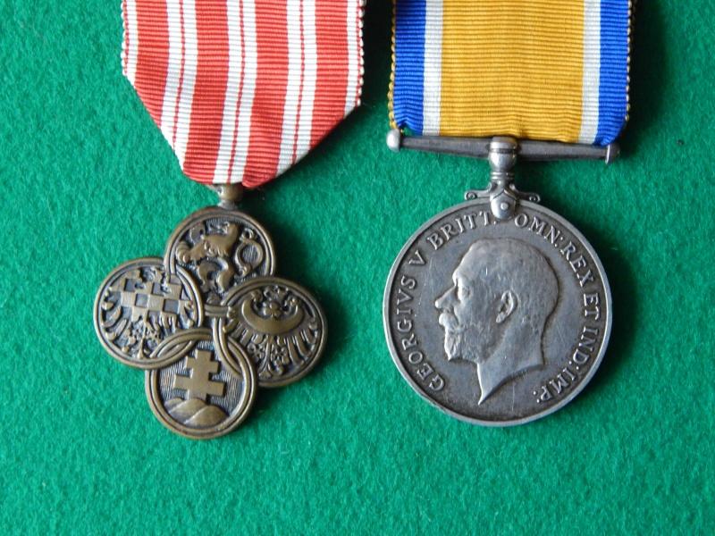 Croix de guerre Tchécoslovaquie et commémo anglaise 1914-1918 Dscn1320
