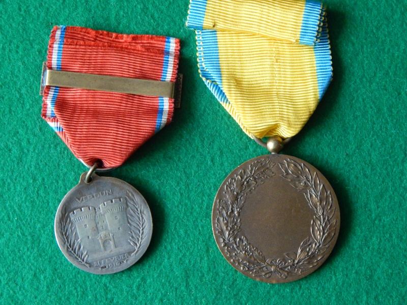 Médaille de Verdun avec barrette et anciens chasseurs Dscn1322