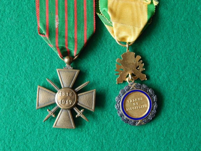 Croix de guerre 1914-1917 et médaille militaire à anneau Dscn1326