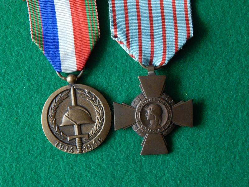 Croix du combattant et médaille UNC 60°anniversaire Dscn1328