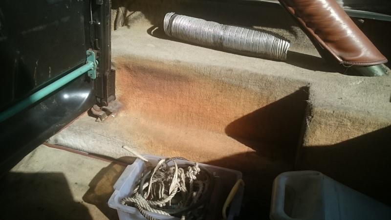 banquette arrière et ceintures sur CJ7 Dsc_0012