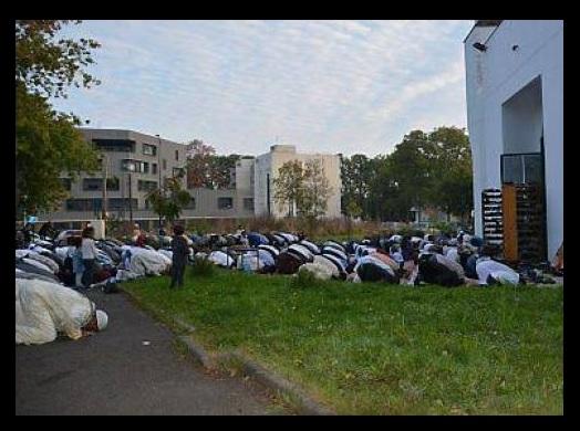 TEMOIN Soraya- Plongée en apnée dans la cité : Kalachs et Frères musulmans Devant10