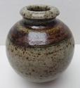 Globular vase with incised mark Marksp85