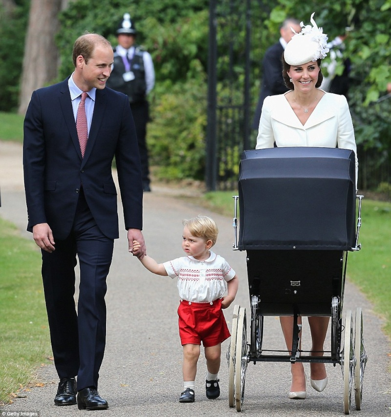 PRINCE WILLIAM  & CATHERINE  MIDDLETON - Page 2 2a402210