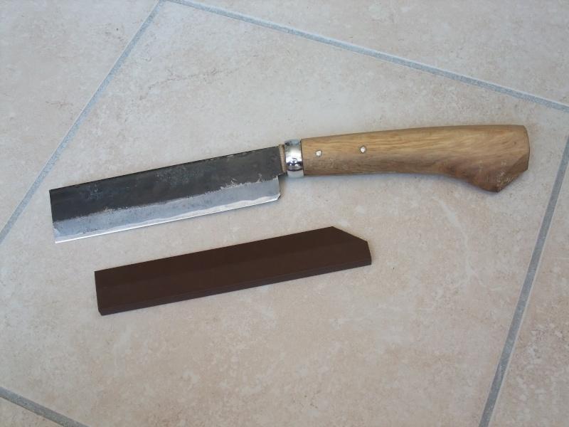 Mes outils de coupe quand je sors (pas en smoking) Dscf4610