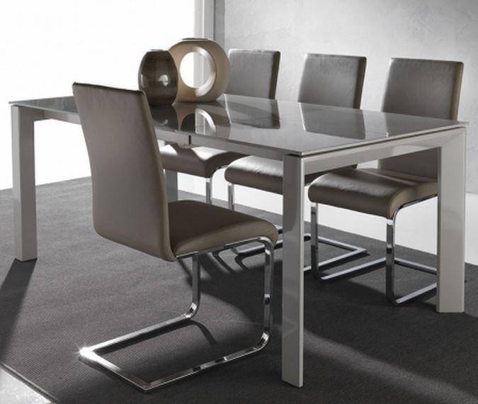 Décoration salon/salle manger. Table-10