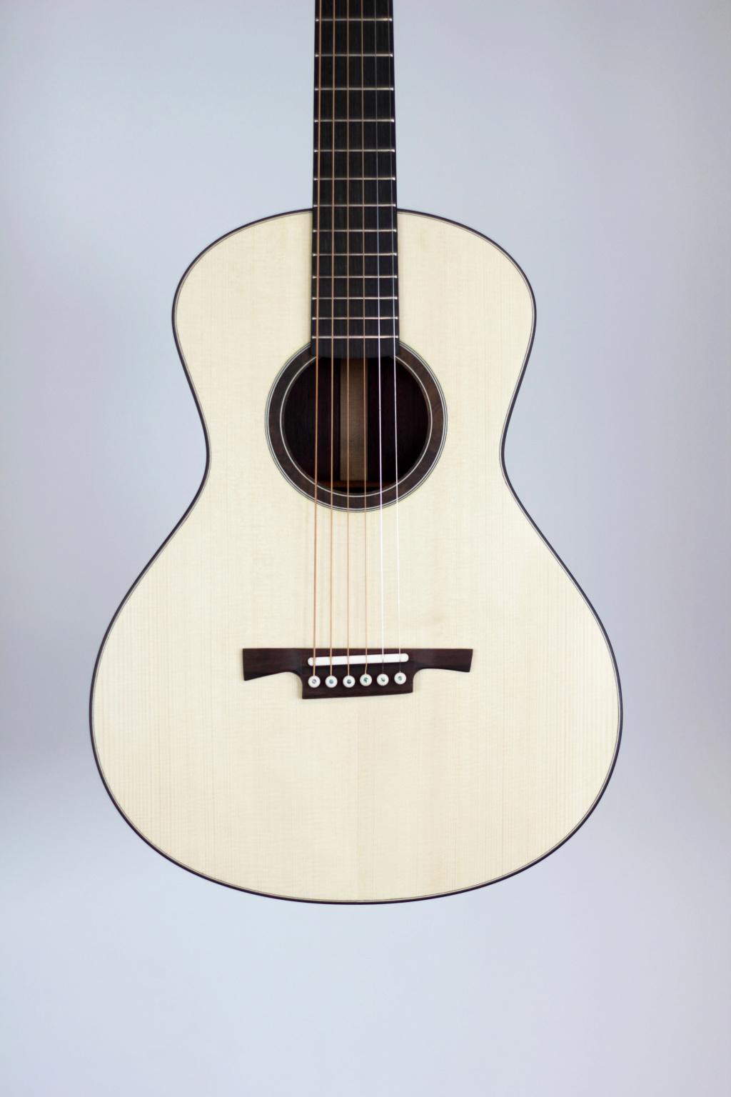 parlor du luthier espagnol David solé (Leno guitars) - Page 3 217