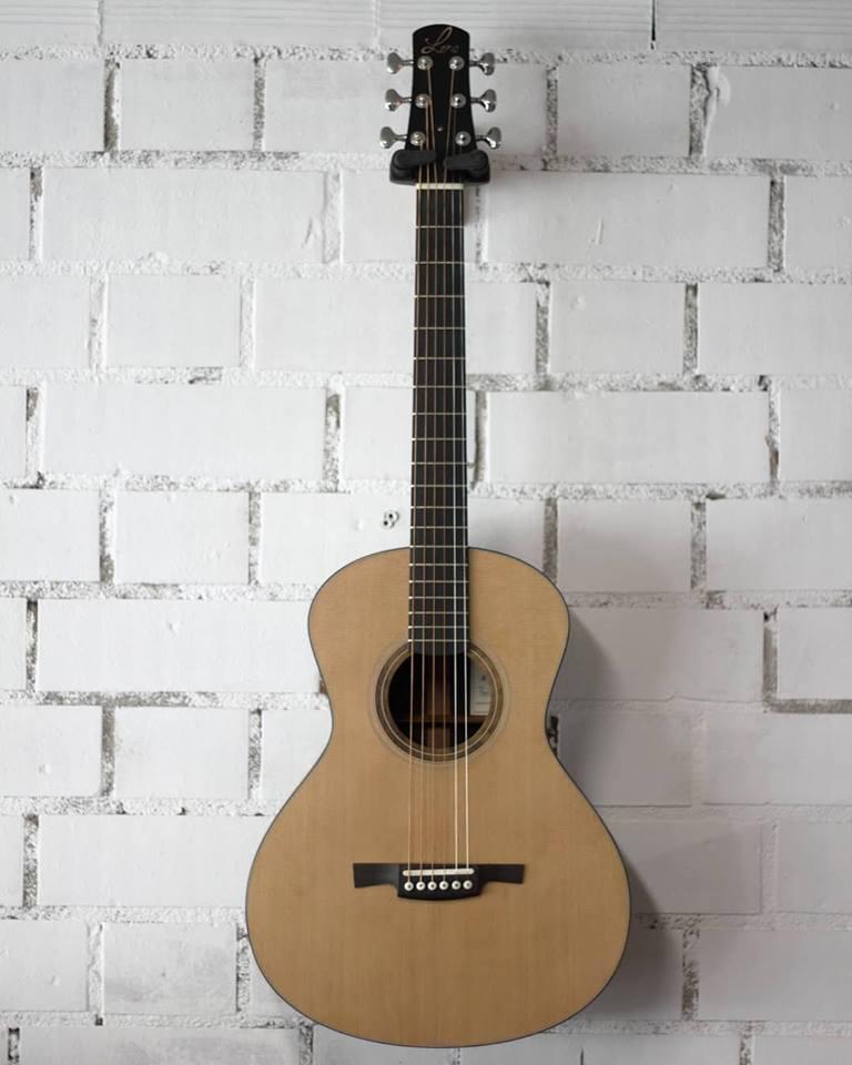 parlor du luthier espagnol David solé (Leno guitars) 42991610