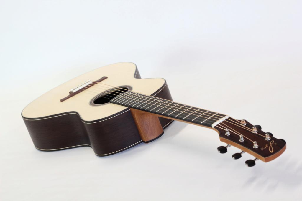 parlor du luthier espagnol David solé (Leno guitars) - Page 3 714