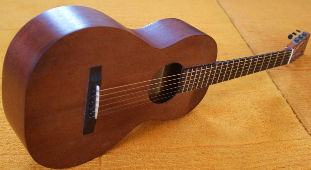 Chipman  2-17 all mahogany (luthier US) Dsc02410