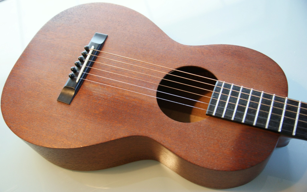 Chipman  2-17 all mahogany (luthier US) Dsc02415