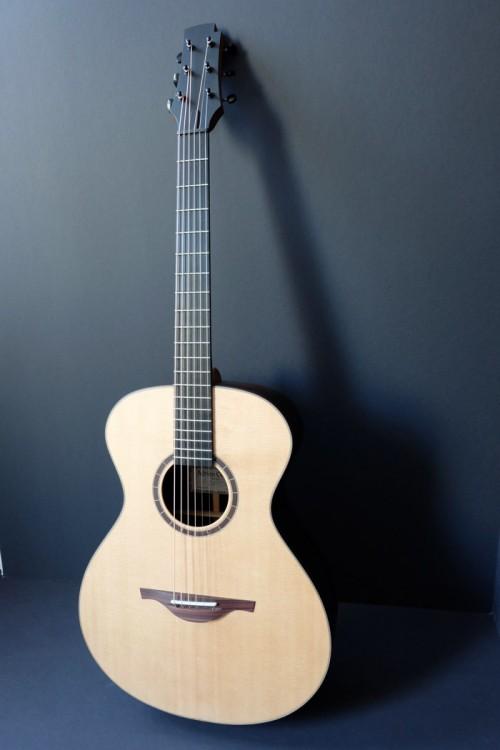 un nouveau jeune luthier français Folk-p10