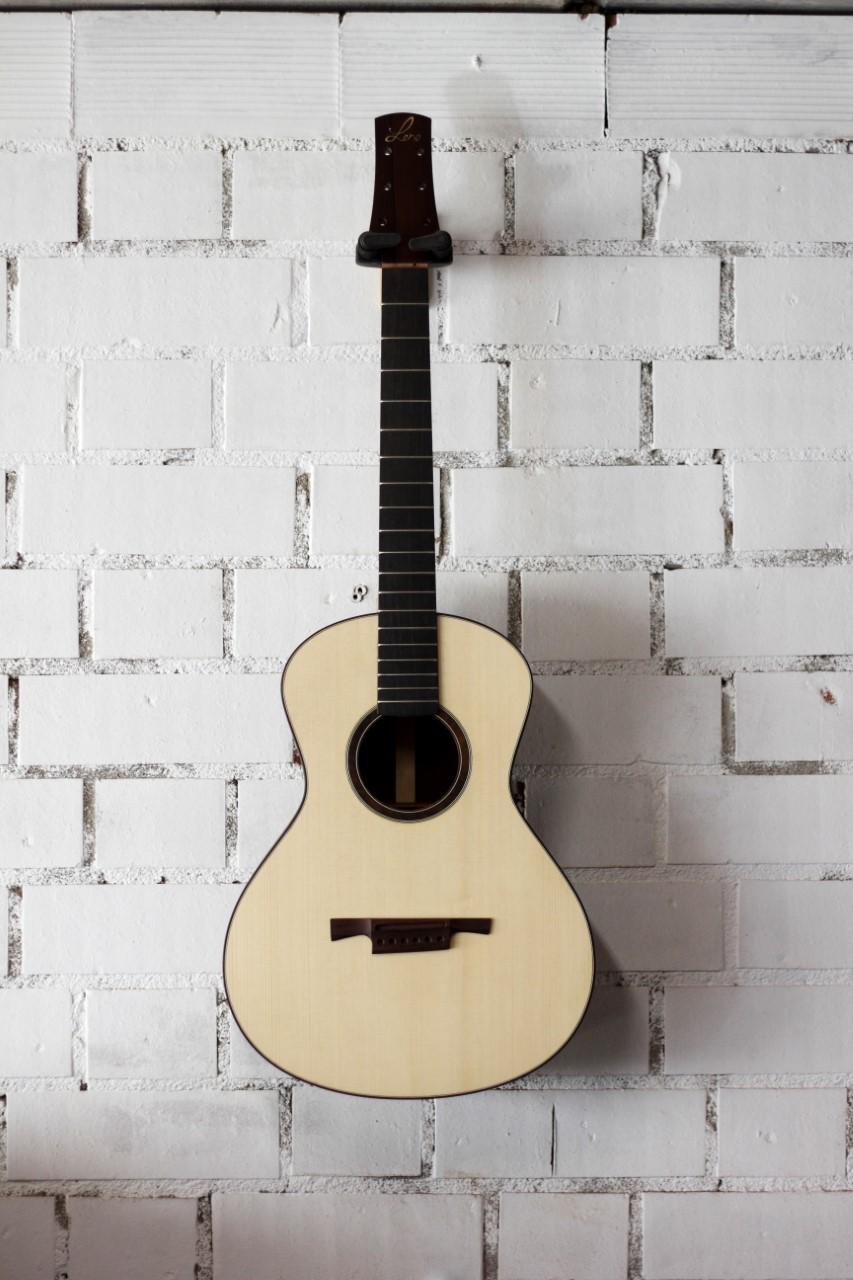 parlor du luthier espagnol David solé (Leno guitars) - Page 3 Getatt13
