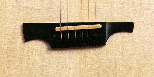 parlor du luthier espagnol David solé VENDUE - Page 4 Gf_g2_10