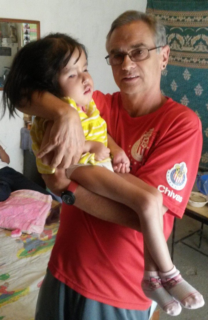 Fundraiser for Rosario and a futbol match. Ros_me10