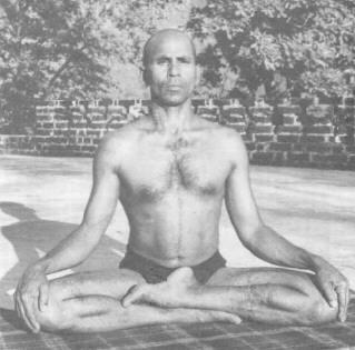 Introduction à la posture pour Dhyāna Siddha11