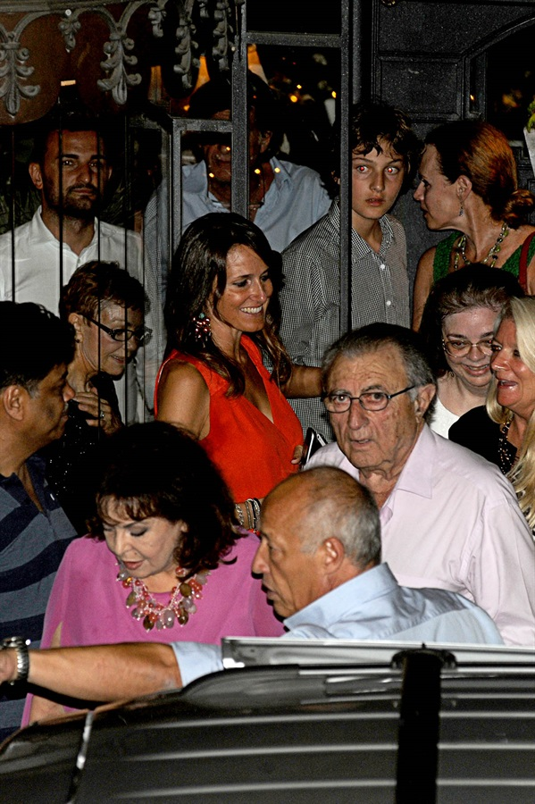 George Clooney and wife Amal take family out to dinner 14 july Cc310