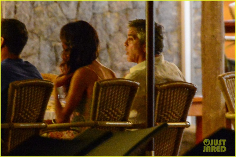George Clooney, Amal, Rande and Cindy Gerber at the Es Torrent restaurant in Ibiza 22. August 2015 Qq12