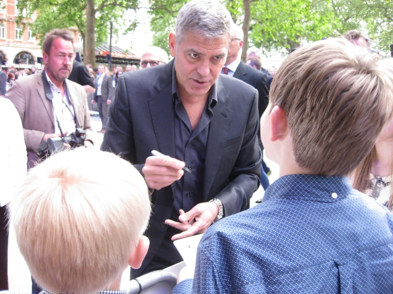 George Clooney at the Tomorrowland Premiere in London 17. May 2015 Qq210