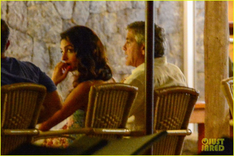 George Clooney, Amal, Rande and Cindy Gerber at the Es Torrent restaurant in Ibiza 22. August 2015 Qq311