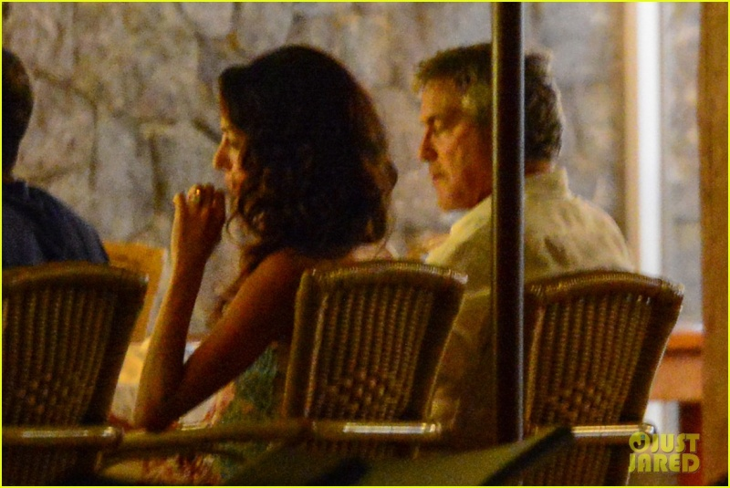 George Clooney, Amal, Rande and Cindy Gerber at the Es Torrent restaurant in Ibiza 22. August 2015 Qq610