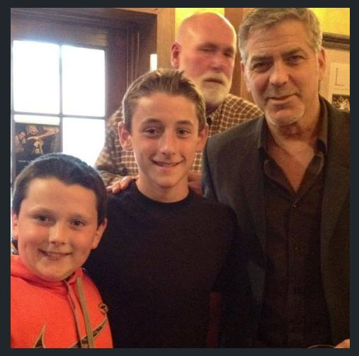 George Clooney out for dinner with his dad and sang happy birthday - Kentucky 02. June 2015 - Page 2 Ss511