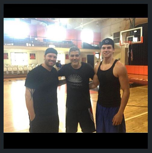 George Clooney  playing Basketball in Kentucky 03. June 2015 Ttt10