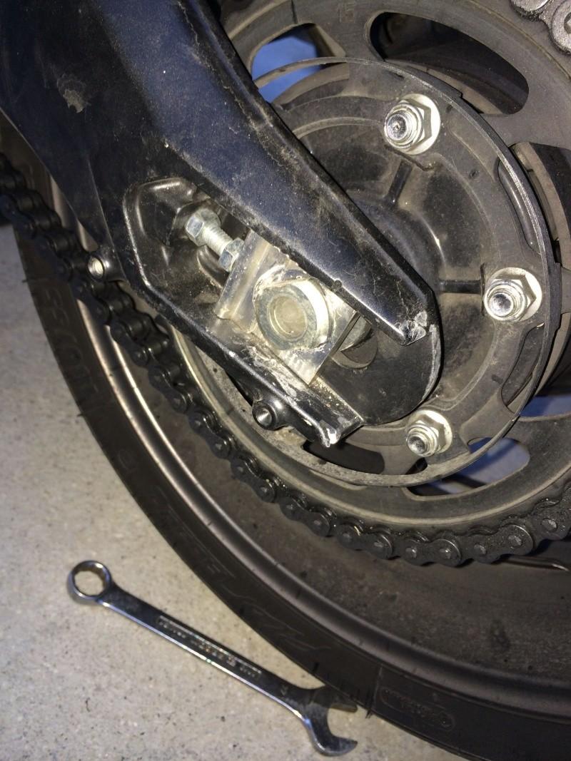 Attention couple serrage roue arrière manuel ! mésaventure qui va me coûter cher Img_2717