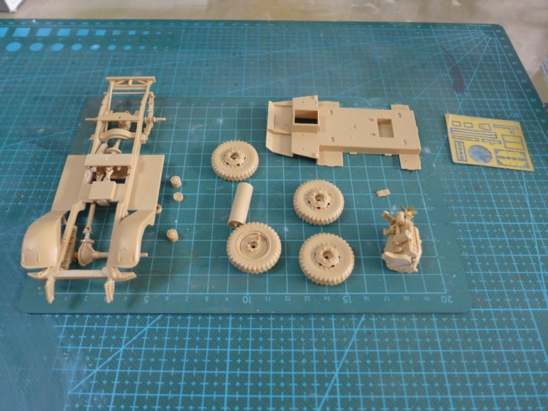 "M3A1 ""White Scout Car"" von HobbyBoss P1040148"