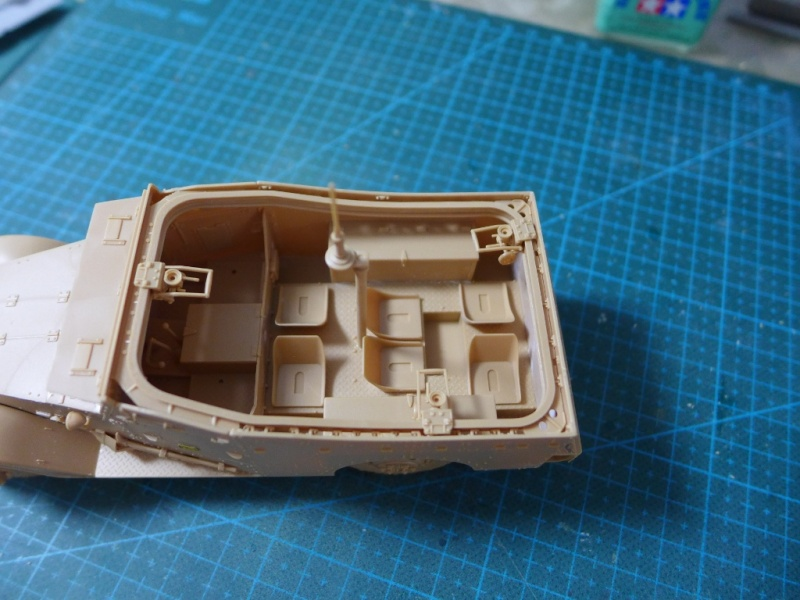 "M3A1 ""White Scout Car"" von HobbyBoss P1040222"