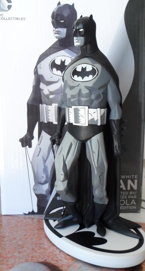 BATMAN BLACK & WHITE #06 : MIKE MIGNOLA - Page 2 Batman31