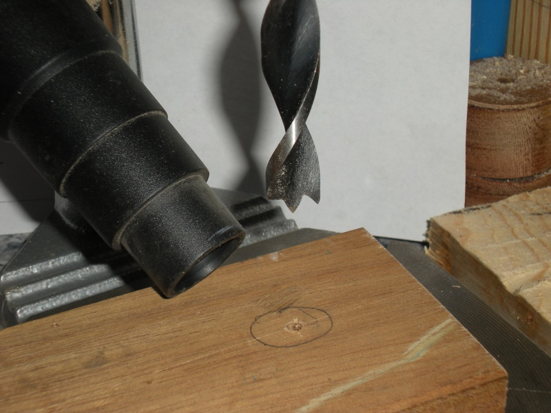 un petit Tour à bois à 3Francs 6Sous - Page 2 8_1_su10