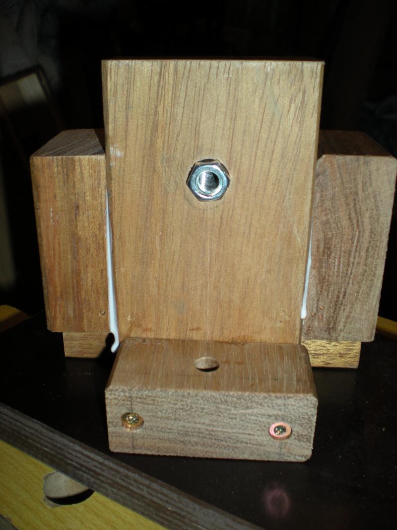 un petit Tour à bois à 3Francs 6Sous - Page 2 8_3_su11