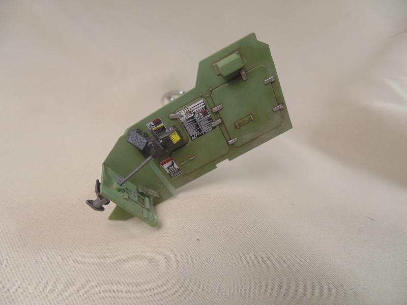 M2A3 Bradley  de MENG au 1/35° Dsc00811
