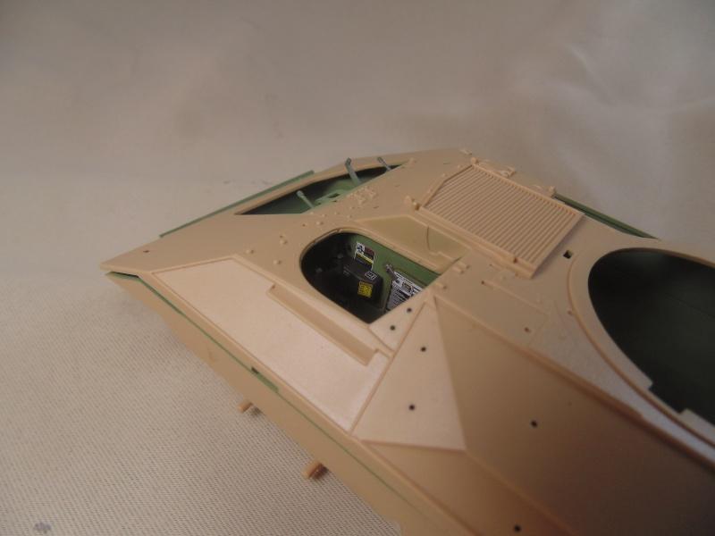 M2A3 Bradley  de MENG au 1/35° Dsc00812